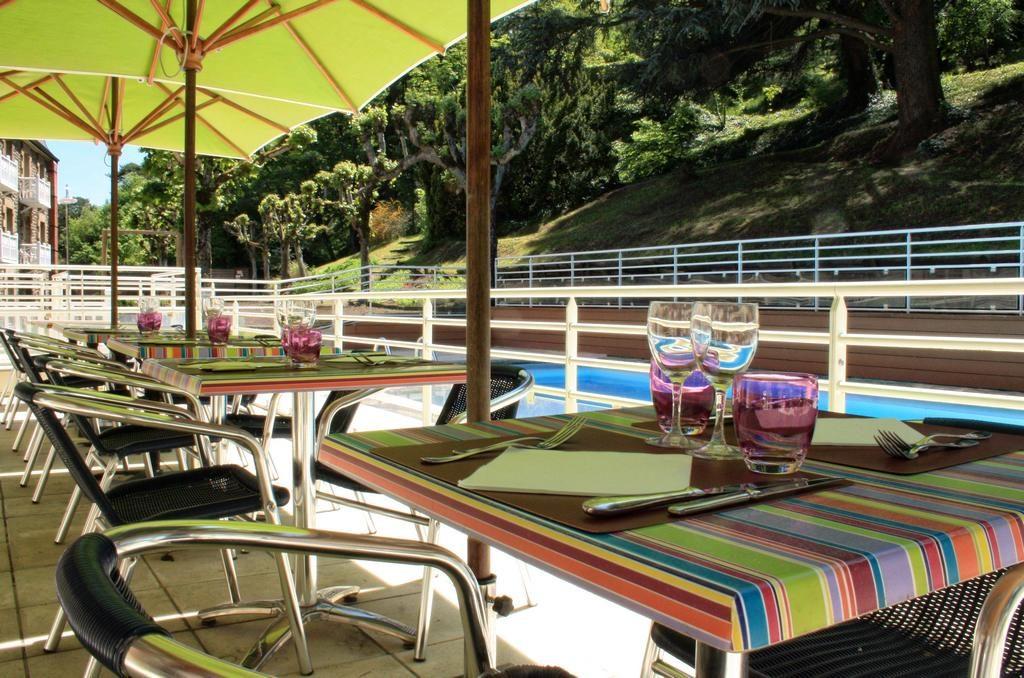 Romain Restaurant Mercure Hotel Facebook